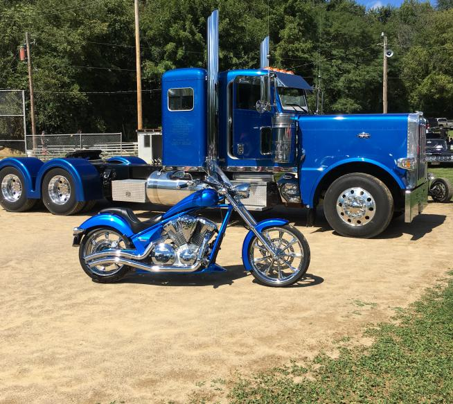 Click image for larger version  Name:blue truck (2).jpg Views:258 Size:97.3 KB ID:163514