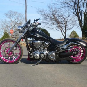 Tricky Air Ride Progressive Suspension Front Lowering Kit Danny Gray Buttcrack Solo Seat Vance & Hines Big Radius 2-1  PC-V L&M Dash Panel L&a