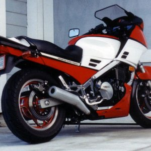13th '87 Yamaha FJ1200 Purchased used in '89, sold '01 Cobra louvered baffle slip-ons